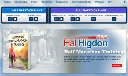 halhigdon Η ιστοσελίδα του Hal Higdon. Ο Hal Higdon έτρεξε οκτώ φορές στους προκριματικούς των Ολυμπιακών Αγώνων και κέρδισε τέσσερα Παγκόσμια Πρωταθλήματα Masters. Ένας από τους ιδρυτές του Road Runners Club της Αμερικής. Ο Higdon ήταν φιναλίστ στο πρόγραμμα της NASA Journalist-in-Space για να μπουν στο διαστημικό λεωφορείο. Για πρώτη φορά έτρεξε στη Βοστώνη το 1959 και πάλι το 1960 αποτυγχάνοντας όμως να τον ολοκληρώσει και τα δύο χρόνια. «Το λάθος μου» έγραψε αργότερα ο Higdon «το συνειδητοποίησα αργότερα γιατί προσπαθούσα να κερδίσω τον αγώνα και όχι να τερματίσω».  Χρειάστηκαν πέντε χρόνια για τον Higdon να καταλάβει την απαραίτητη προπόνηση για ελίτ μαραθωνοδρόμο, κει τελικά γίνεται ο πρώτος Αμερικανός που τον τερματίζει (πέμπτος συνολικά ) το 1964. Ο Higdon έχει τρέξει 111 μαραθώνιους, 18 από αυτούς στη Βοστώνη. Το όνομά Hal Hidgon είναι συνώνυμο με το τρέξιμο.